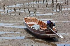 Boot op Modder, Thailand stock afbeelding