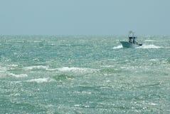 Boot op Water Stock Foto's