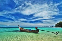 Boot in overzees, zuiden van Thailand Royalty-vrije Stock Foto's