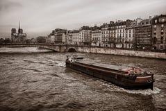 Boot in Parijs Stock Afbeeldingen