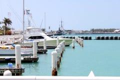 Boot am Pier Stockbilder