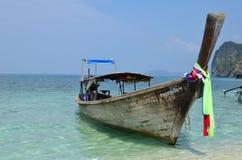 Boot rond Koh Tup, Thailand Stock Afbeeldingen