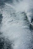 Boot strenge golven Stock Foto's