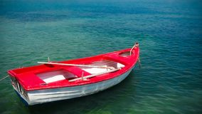 Boot und schönes Meer, Stockfoto