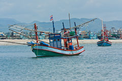 Boot und Strand Stockfotos