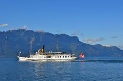Boot van de cruise de oude stoom bij het meer van Genève Stock Foto