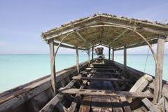 Boot van de het ambachts de lange staart van Moken Royalty-vrije Stock Afbeeldingen