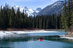 Bootcanoeing bij de Canion van Banff Sundance Royalty-vrije Stock Fotografie