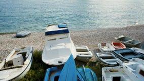 Boote auf adriatischer Küste Lizenzfreie Stockfotos