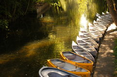 Boote auf dem Fluss Stockfoto