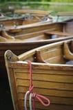 Boote auf dem Fluss Stour, Dedham Tal, Großbritannien Stockbilder
