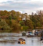Boote auf dem Kanal lizenzfreies stockfoto