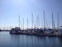 Boote auf dem Long Beach Jachthafen Stockbilder