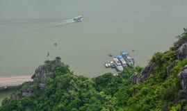 Boote auf dem Meer stockfotos