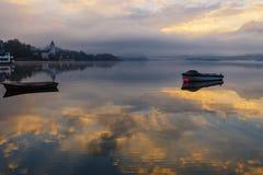 Boote auf dem See Stockfoto