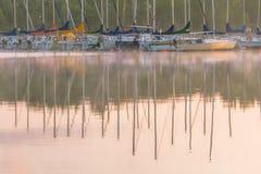 Boote auf dem See Stockfotos