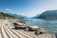 Boote auf dem See Como, Stadt von Como, Italien Stockfoto