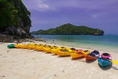 Boote auf dem Strand Lizenzfreie Stockfotos