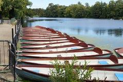 Boote auf dem Teich Stockfoto