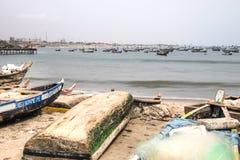 Boote auf der Küste von Jamestown, Accra, Ghana Stockfotografie