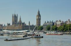Boote auf der Themse Stockbild