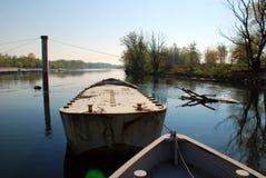 Boote auf Fluss Lizenzfreie Stockfotos