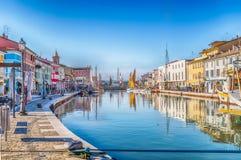 Boote auf italienischem Kanal-Hafen Stockfoto