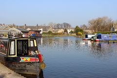 Boote auf Lancaster-Kanal bei Carnforth, Lancashire Stockfotos