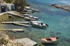 Boote auf Mandrakia Stockfoto