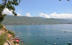 Boote auf Ohrid See Lizenzfreies Stockbild