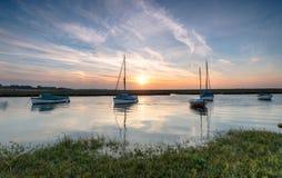 Boote bei Blakeney stockfotografie