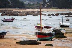 Boote bei Ebbe Stockfotos