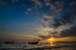 Boote bei Sonnenuntergang Stockbild
