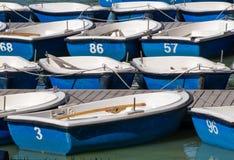 Boote blau und weiß Lizenzfreies Stockbild