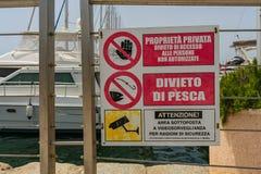 Boote in Cagliari-Hafen stockfotos