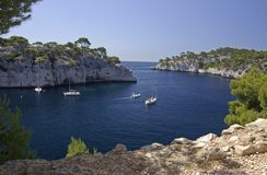 Boote in Calanques Stockbilder