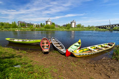 Boote in dem Fluss im Limerick Stockbild