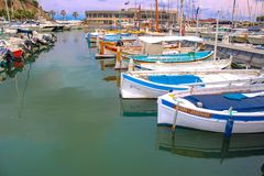 Boote in den Cassis stockfoto