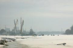 Boote in den Dockageanlagen Stockbild