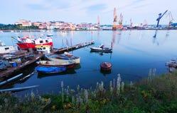 Boote an der Bucht von Santander am Morgen Lizenzfreies Stockbild