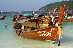 Boote des langen Hecks in Thailand Lizenzfreie Stockfotografie