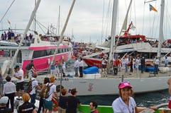 BOOTE des Volvo-Ozean-Rennen2014 - 2015 Zuschauer Lizenzfreie Stockbilder