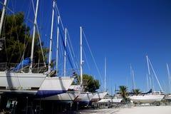 Boote, die 2 parken Stockfotografie