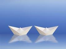 Boote, die zusammen segeln Lizenzfreies Stockbild