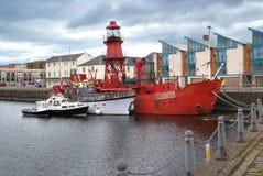 Boote in einem Hafen, Dundee, Schottland Lizenzfreies Stockfoto