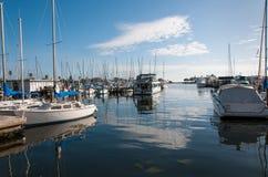 Boote in einem Jachthafen Lizenzfreies Stockbild