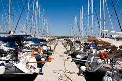 Boote am Hafen Stockfotos