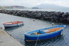 Boote im Hafen in Neapel, Italien Lizenzfreie Stockbilder