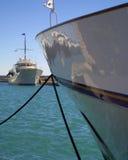 Boote im Jachthafen Stockfotos