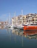 Boote im Kanal von Gibraltar Stockfotos